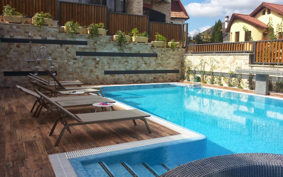 piscina de exterior la comanda
